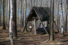 A casa de madeira de povos antigos Fotografia de Stock Royalty Free