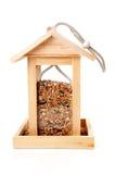 Casa de madeira do alimentador do pássaro Foto de Stock Royalty Free