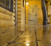 Casa de madeira do vintage imagens de stock royalty free