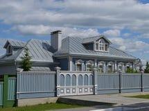 Casa de madeira velha em Kolomna Rússia imagens de stock royalty free