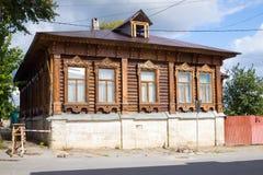 Casa de madeira velha Yelets Imagens de Stock