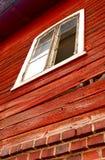 Casa de madeira vermelha velha Fotos de Stock Royalty Free