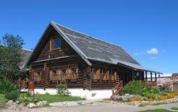 Casa de madera. Imagen de archivo libre de regalías