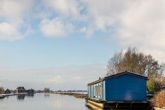 Casa de madera azul Imágenes de archivo libres de regalías