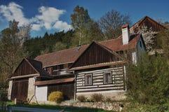 Casa de madera checa clásica Imagen de archivo
