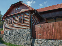 Casa de madera checa clásica Foto de archivo libre de regalías