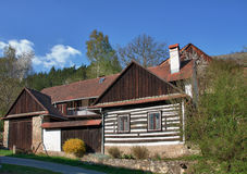 Casa de madera checa clásica Foto de archivo