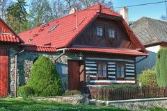Casa de madera checa clásica Imágenes de archivo libres de regalías