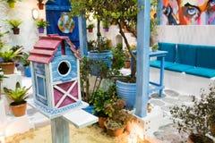 Casa de madera del pájaro para la decoración Imagenes de archivo