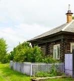 Casa de madera del verano Fotografía de archivo libre de regalías