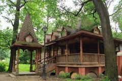 Casa de madera hermosa Imagen de archivo