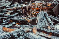 Casa de madera quemada Fotos de archivo libres de regalías