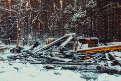 Casa de madera quemada Foto de archivo libre de regalías