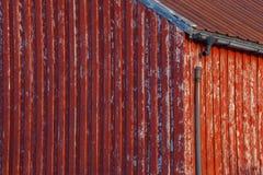 Casa de madera roja Foto de archivo libre de regalías