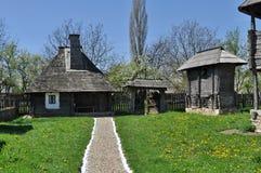Casa de madera rural foto de archivo libre de regalías