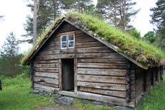 Casa de madera típica Fotografía de archivo