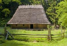 Casa de madera tradicional Imagenes de archivo