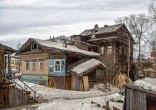 Casa de madera vieja en Arkhangelsk Fotografía de archivo libre de regalías