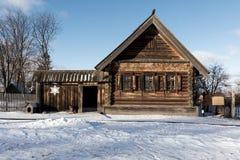 Casa de madera vieja en Rusia Fotos de archivo libres de regalías
