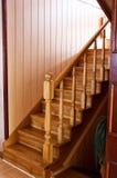Casa de madera y elegante del piso de los pasos Fotografía de archivo libre de regalías