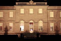 Casa de mansión en la noche - Escocia Foto de archivo libre de regalías