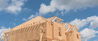 Casa de marco de madera bajo construcción Pearland, Tejas, los E.E.U.U. Foto de archivo libre de regalías