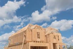 Casa de marco de madera bajo construcción Pearland, Tejas, los E.E.U.U. Fotos de archivo