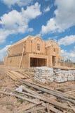 Casa de marco de madera bajo construcción Pearland, Tejas, los E.E.U.U. Fotos de archivo libres de regalías