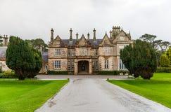 Casa de Muckross en Irlanda Fotos de archivo libres de regalías