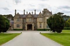 Casa de Muckross o no parque nacional de Killarney, Irlanda fotos de stock
