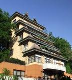 Casa de muitos balcons Imagem de Stock