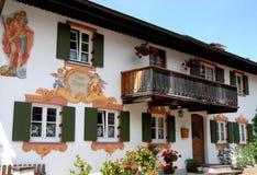 Casa de Oberammergau em Baviera (Alemanha) Fotografia de Stock Royalty Free