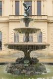 Casa de Osborne de la fuente del jardín Imágenes de archivo libres de regalías
