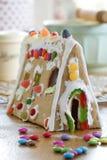 Casa de pão-de-espécie fotografia de stock royalty free