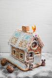 Casa de pan de jengibre de la Navidad Fotografía de archivo libre de regalías