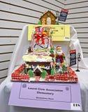 Casa de pan de jengibre hecha por Laurel School Foto de archivo libre de regalías