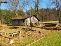 Casa de pedra abandonada fotografia de stock royalty free