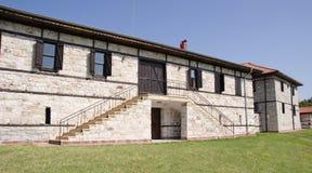 Casa de pedra branca com escadas Imagem de Stock Royalty Free