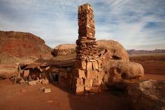 Casa de pedra da rocha do deserto Imagem de Stock