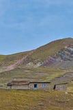 Casa de pedra nas montanhas Imagem de Stock Royalty Free
