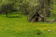 Casa de piedra abandonada vieja Foto de archivo libre de regalías