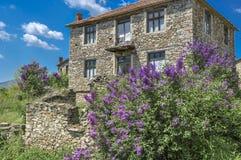Casa de piedra - arquitectura tradicional en la región de Mariovo, Macedoonia Fotos de archivo libres de regalías