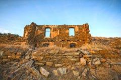 Casa de piedra escudada Imagen de archivo libre de regalías