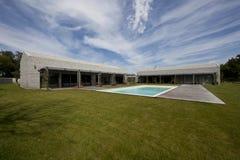 Casa de piedra moderna en Istria Imágenes de archivo libres de regalías
