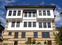 Casa de piedra tradicional en Kastoria (Makedonia, Gree Fotografía de archivo