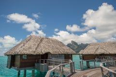 Casa de planta baja del overwater de Bora Bora Fotos de archivo