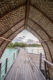 Casa de planta baja del overwater de Bora Bora Imagenes de archivo
