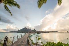 Casa de planta baja del overwater de Bora Bora Tahiti Foto de archivo