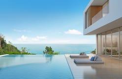 Casa de playa con la piscina en diseño moderno Imagenes de archivo
