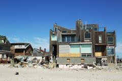 Casa de playa destruida en área devastada seis meses después del huracán Sandy Foto de archivo libre de regalías
